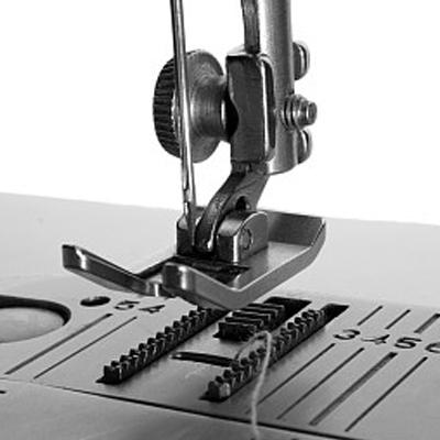 Развіццё непераадольнай брэнд швейнай машыны прамысловасці